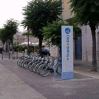 /images/0/1/01-bike-sharing-trani.jpg