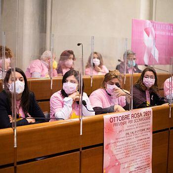 /images/0/1/01-ottobre-rosa-19.jpg
