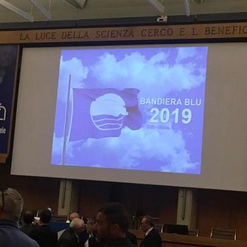 /images/0/2/02-bandiera-blu-2019.jpg