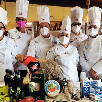 /images/0/2/02-unione-cuochi-toscani---finaliste-lady-chef--1-.jpg