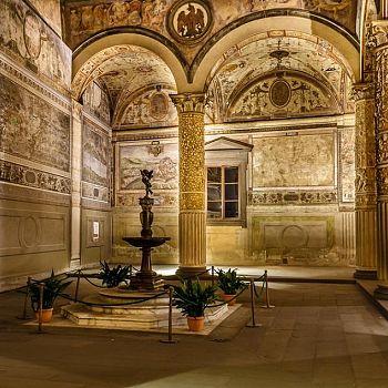 /images/0/3/03-firenze-palazzo-vecchio-134752166.jpg
