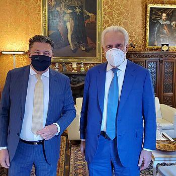 /images/0/3/03-il-presidente-di-cna-toscana--luca-tonini-con-il-presidente-della-regione--eugenio-giani.jpeg