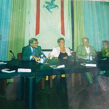/images/0/3/03-sandra-alvino-in-regione-toscana.jpg
