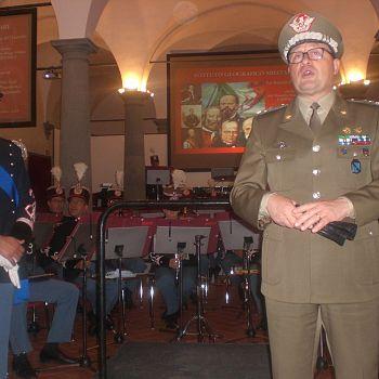 /images/0/4/04-banda-esercito-presso-igm-il-saluto-istituzionale-del-comandante-igm.jpg
