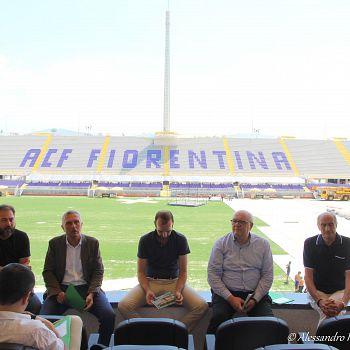 /images/0/5/05-conferenza-stampa-tiziano-ferro--3-.jpg