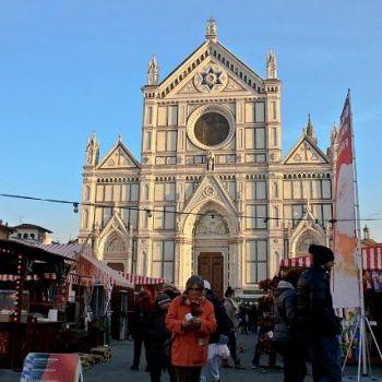 /images/0/5/05-mercato-di-natale-s-croce.jpg