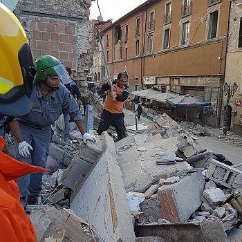 /images/0/7/07-corpo-forestale-terremoto-f.jpg