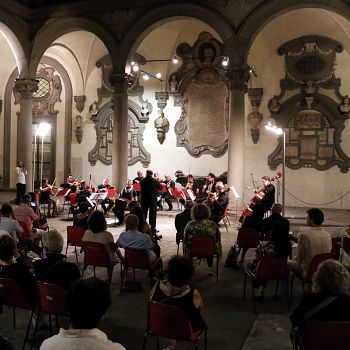 /images/0/7/07-orchestra-medici-riccardi-2020.jpg