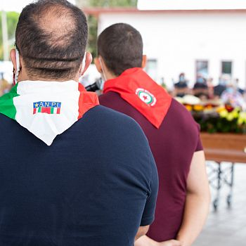 /images/0/9/09-funerale-rolando-fontanelli-27.jpg