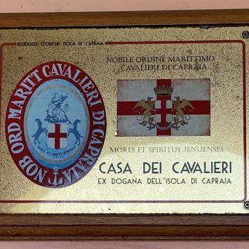 /images/1/0/10-casa-dei-cavalieri-di-capraia.jpg