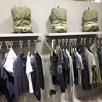 /images/1/1/11-stand-3-esercito-pitti.jpg