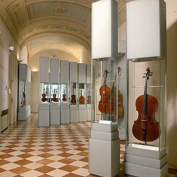 /images/1/2/12-galleria-dell-accademia-di-firenze---strumenti-musicali-1.jpg