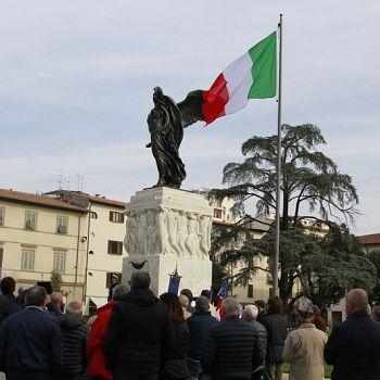 /images/1/6/16-4-novembre-2017-giornata-unita-nazionale-forze-armate-inaugurazione-piazza-della-vittoria201.jpg