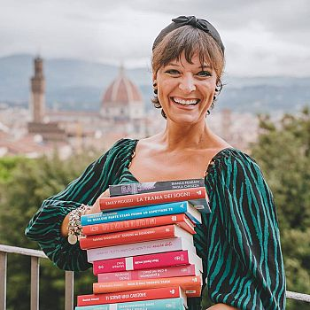 /images/1/6/16-florence-book-party.jpg