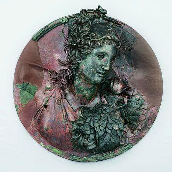 /images/1/7/17-medaglione-con-il-busto-di-atena--150-a-c--circa.jpg