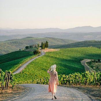 /images/1/7/17-montalcino-turista-credit-hotelrosewood-castigliondelbosco.jpg