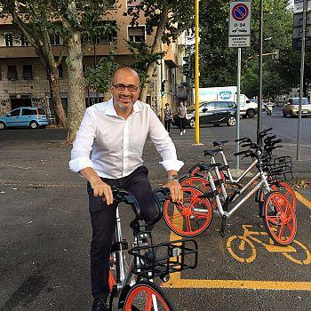 /images/1/8/18-bike-share-c.jpg