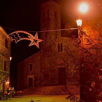 /images/1/8/18-radicofani-piazza-natale650-medium-2.jpg
