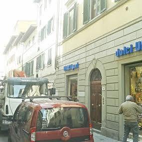 /images/2/1/21-negozio-pasqua-cantiere-a.jpg