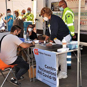 /images/2/2/22-foto-vaccini-arezzo-camper-5-settembre---11.jpeg