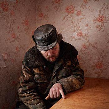 /images/2/2/22-interrogations-donald-weber.jpg