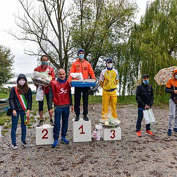/images/2/4/24-giro-lago-di-chiusi-2020-podio-maschile.jpg