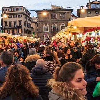 /images/2/4/24-mercato-natale4.jpg