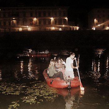 /images/2/5/25-easy-living-lanterne-galleggianti2.jpg