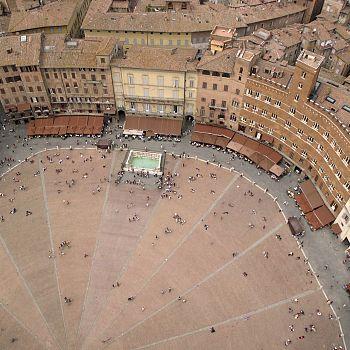 /images/2/5/25-piazzadelcamposiena.jpg