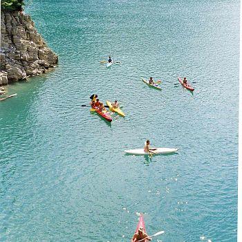 /images/2/7/27-canoe-a-ridracoli--archivio-romagna-acque-.jpg