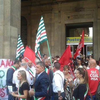 /images/2/7/27-protesta-sindaci-poste-e.jpg