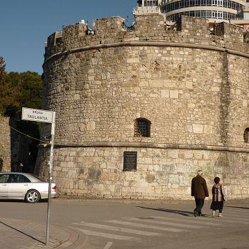 /images/2/9/29-durazzo---la-torre-veneziana.jpg