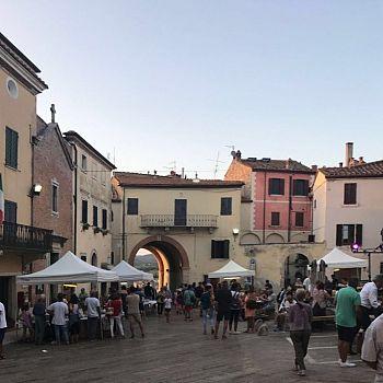 /images/2/9/29-piazza-matteotti.jpg