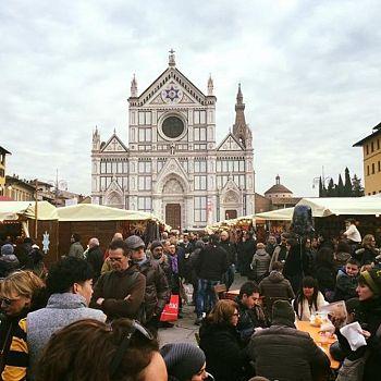 /images/3/0/30-mercato-natale3.jpg