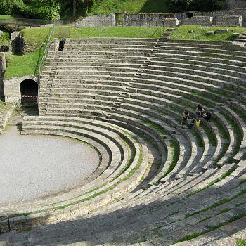 /images/3/1/31-il-teatro-dell-area-archeologica-di-fiesole.jpg