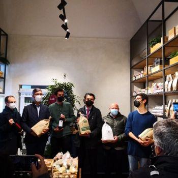 /images/3/1/31-l-inaugurazione-della-nuova-sede-di-atipico-e-eatprato--sindaco--bosi--puggelli--protajpg.jpg