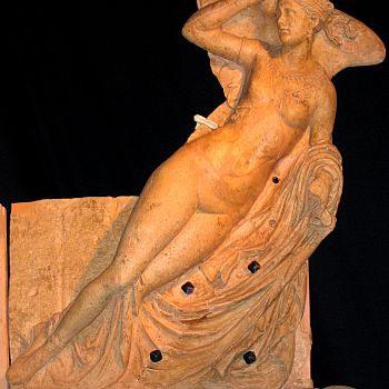 /images/3/1/31-thesan-dea-alata-museo-civico-archeologico-chianciano-termerid.jpg