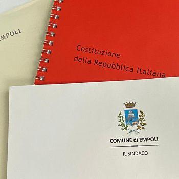 /images/3/2/32-consegna-costituzione-italiana-005.jpg