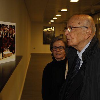 /images/3/2/32-il-presidente-emerito-giorgio-napolitano-in-visita-all-opera-di-firenze-per-la-mostra-dedicata-a-claudio-abbado---foto-©-michele-borzoni---terraproject---contrasto--6-.jpg
