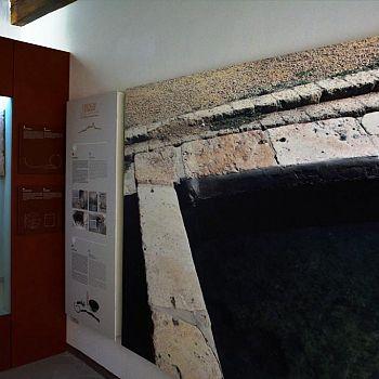 /images/3/2/32-vasca-aterme-romane-al-museo.jpg