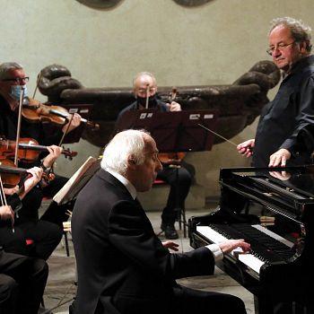 /images/3/3/33-bruno-canino-e-orchestra-fiorentina-j74a6978.jpg