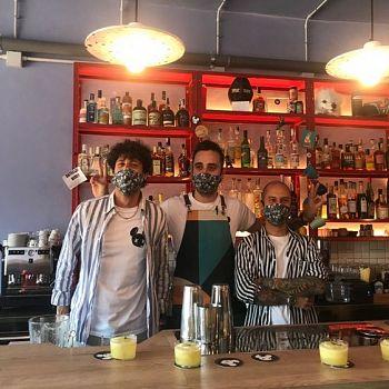 /images/3/3/33-fausto-bigongiali--riccardo-carli--giacomo-colantuono---i-tre-ideatori-del-jeffer-cocktail-friends.jpg