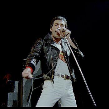 /images/3/4/34-queen-rock-montreal-4.jpg