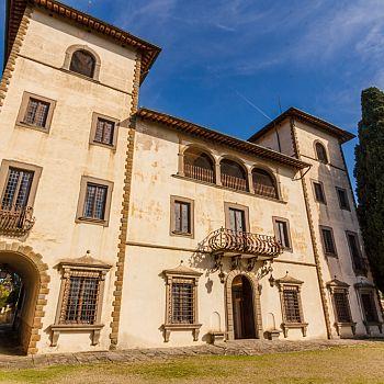 /images/3/7/37-villa-bibbiani-esterno-low--1-.jpg