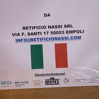 /images/3/8/38-donazione-mascherine-nassi-4.jpg