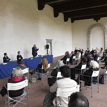 /images/4/0/40-presentazione-esposizione--museonazionalevillaguinigi.jpg
