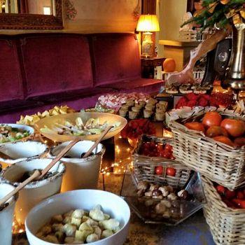 /images/4/0/40-villa-cora-brunch-buffet-6.jpg