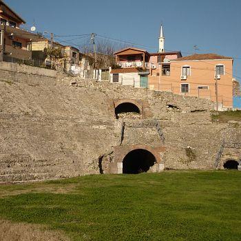 /images/4/1/41-durazzo---l-interno-dell-anfiteatro-romano.jpg