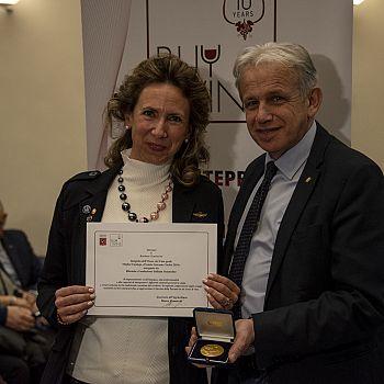 /images/4/4/44-premio-barbara-tamburini-miglior-enologo-2019.jpg