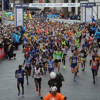 /images/4/6/46-partenza-firenze-marathon-2017.jpg